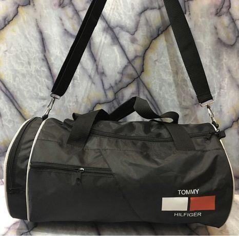 для туризма новая сумка Tommy Hilfiger.