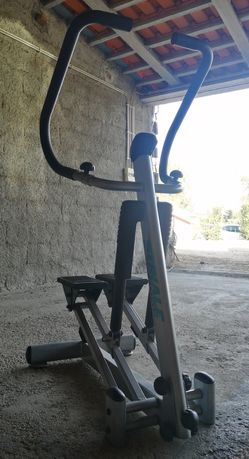 Máquinas exercício físico