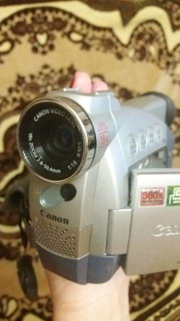 Видеокамера (камера) 1500 руб.