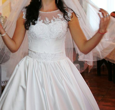 Свадебное платье + подарок!!!