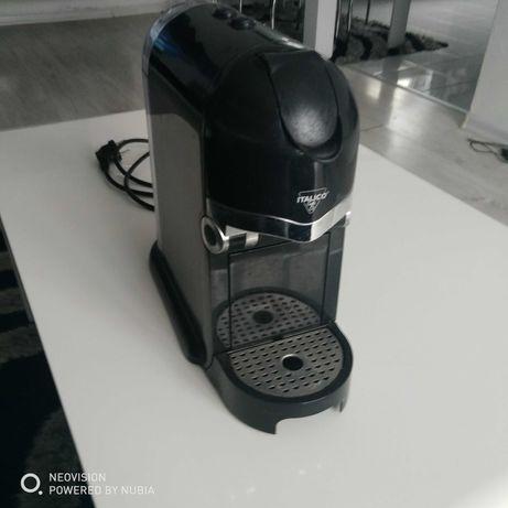 Ekspres do kawy 100 procent sprawny na kapsulki