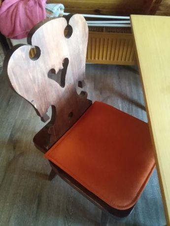 Krzesła drewniane 6 szt. kpl.