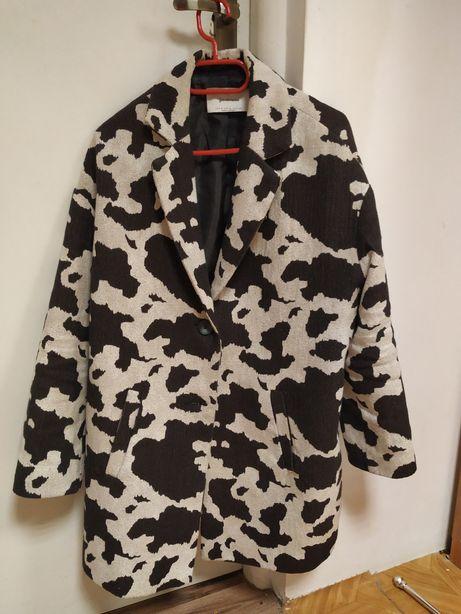 Płaszcz płaszczyk czarny kremowy wiosenny jesienny Stradivarius M