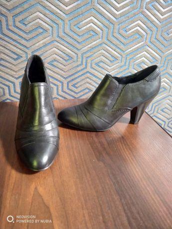 Женские кожаные туфли 38