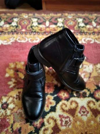 весенне-осенние ботинки на мальчика, 300 руб.