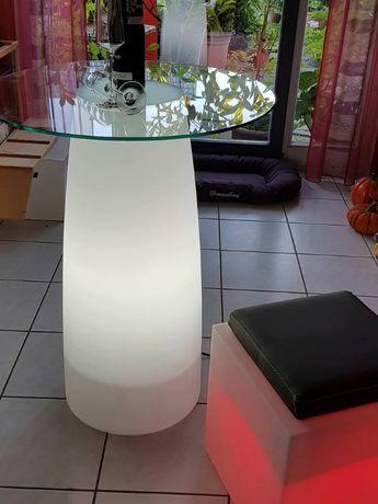 Mesa com iluminação