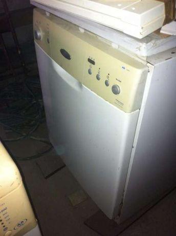 Máquina Lavar Louça Whirlpool ADP 6610 WH (Peças)