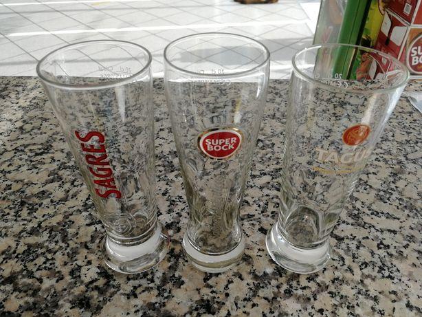 15 copos de cerveja