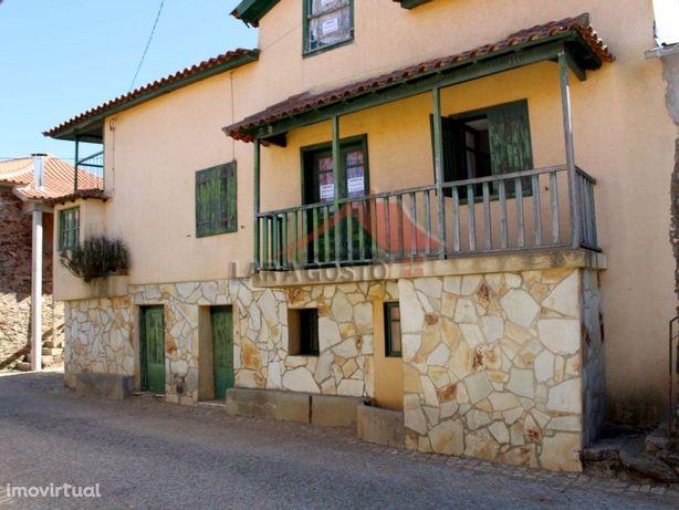 Casa em Castelãos