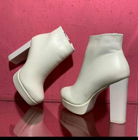 Взуття для нареченої