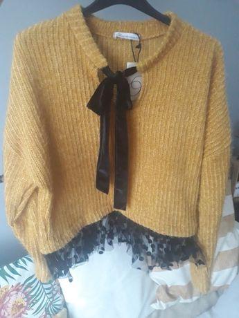 sweterek wykończony tiulem kokarda grochy raz założony