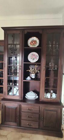 Louçeiro em estado impecável para artigos de cozinha em madeira maciça