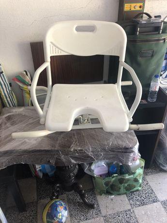 Cadeira de banho hospitalar