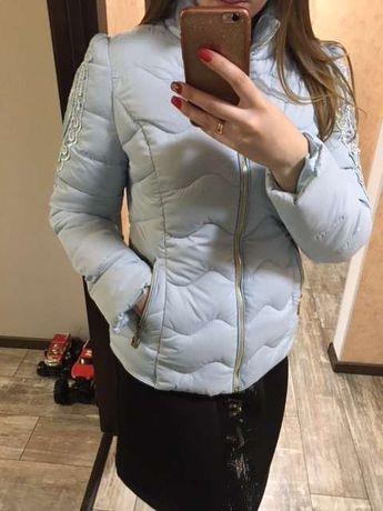 Продам куртку идеальное состояние