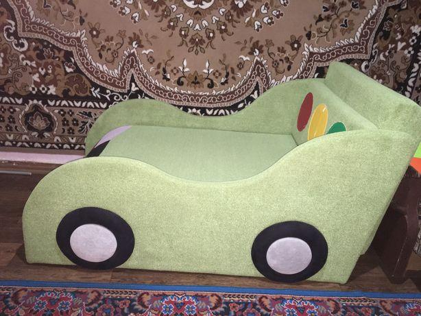 Кровать/диван машина