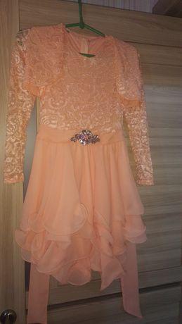 Платье на девочку 8-9лет