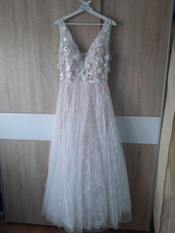 Sukienka biała 3d kwiaty koronka