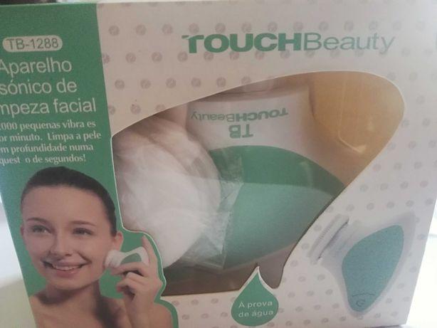 Aparelho sónico de limpeza facial