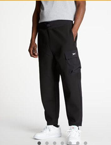 Широкие штаны Reebok