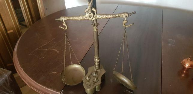 Balança de mesa antiga
