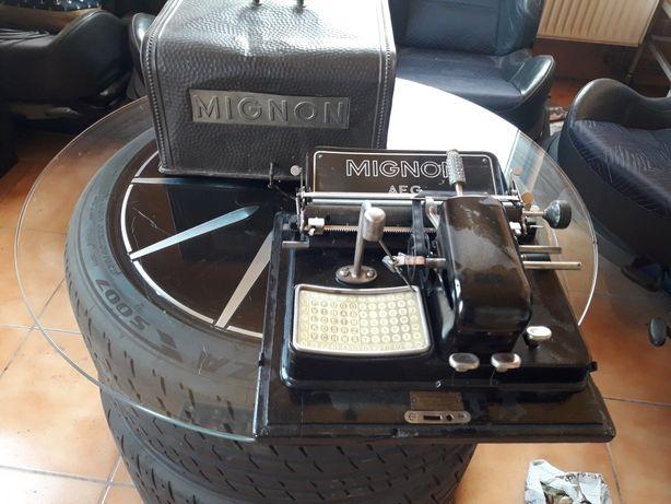 Maszyna do pisania mignon