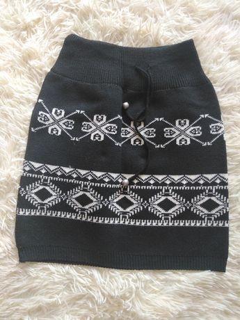 Юбка вязаная зимняя с вышивкой