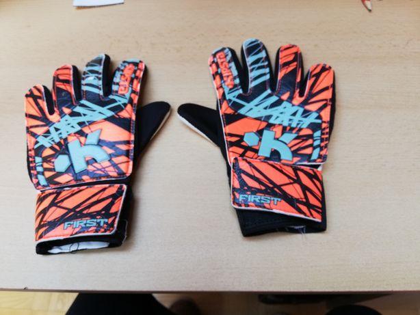 Rękawice piłkarskie