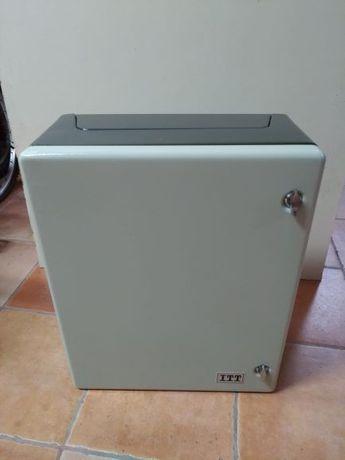 Quadro / caixa de Comunicações