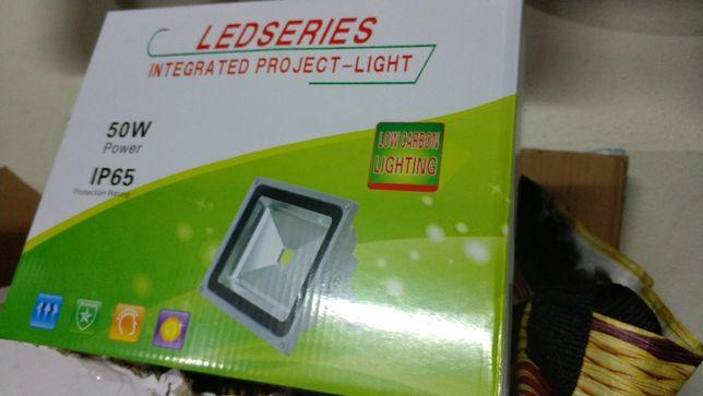 holofotes LED 50w IP65 Novos
