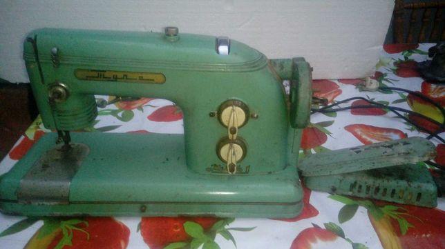 Швейна машина продам