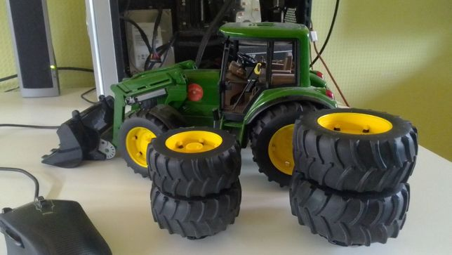 Продам трактор John Deere 6820