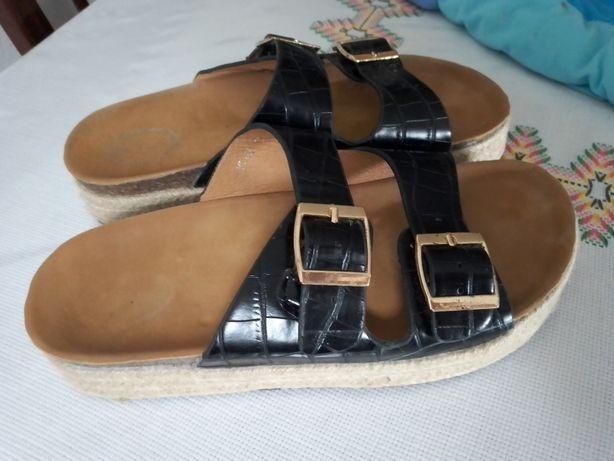 Sandálias tamanho 39