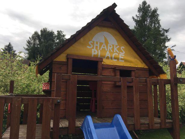 Wickey Shark's Place - Domek na palach ze zjeżdżalnią, stan b. dobry