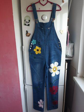 Комбинезон джинсовый с нанесенным рисунком размер м