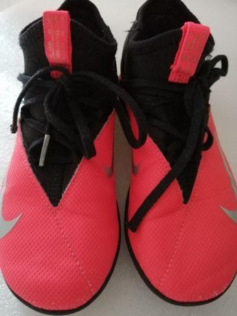 Ténis / chuteiras Futsal Nike n. 32