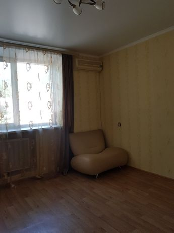 2-комнатная квартира на Пироговской, средний этаж