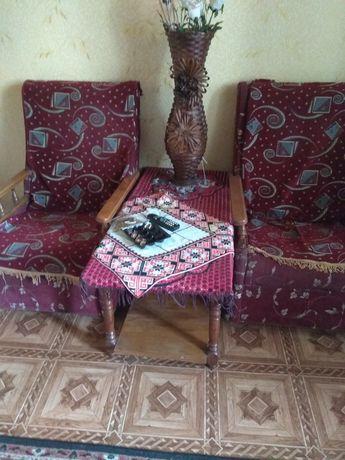 Кресла и журнальный столик