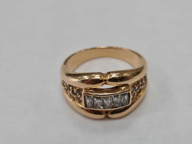 Klasyczny złoty pierścionek damski/ 585/ 6.45 gram/ R17/ Cyrkonie