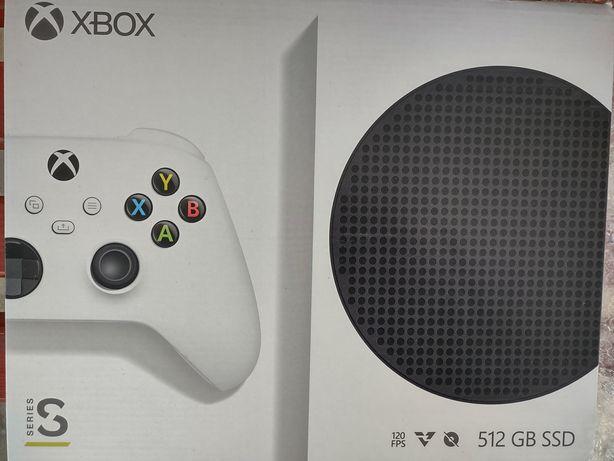 Xbox Serie S sprzedam pilnie