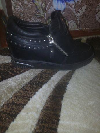 Туфли,сникерсы,ботинки