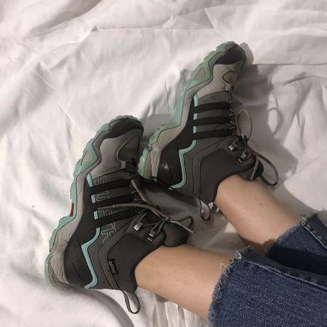 Треккинговые кроссовки ботинки Adidas 36р.