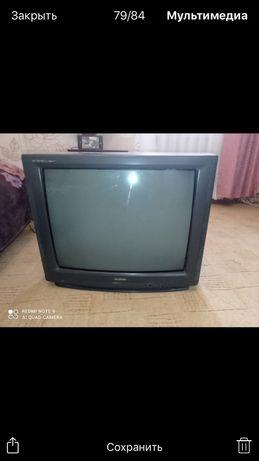 В хорошем состоянии телевизор