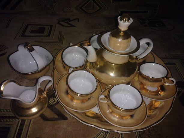 Фарфоровый золотой кофейный сервиз