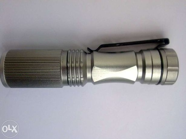 Mini Lanterna Cree Q5 de 1-modo Prateada