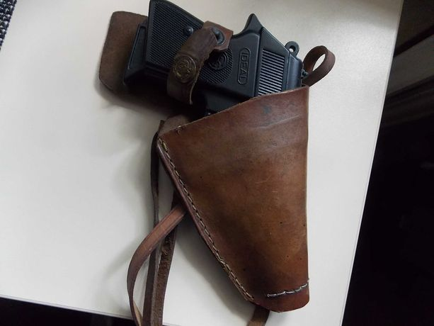 Kabura skórkowa do pistoletu + pistolet atrapa