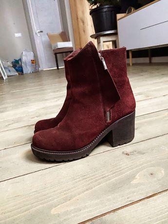 Ботинки зимние замшевые 37