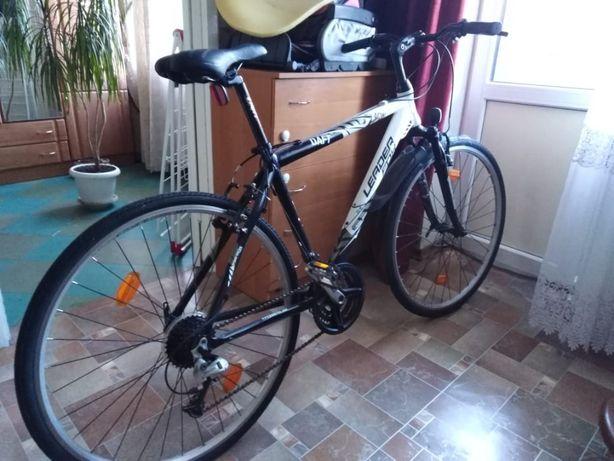 Продам кроссовый велосипед LeaderFox Pro