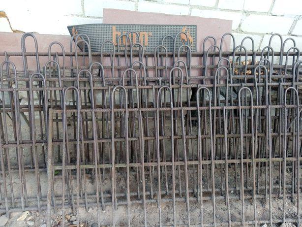 Забор металевий (огорожа)