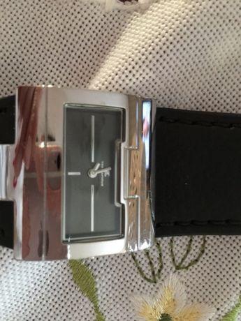 Elegancki damski zegarek