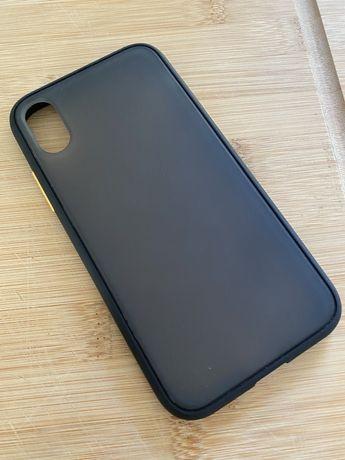Capa iPhone X Preta com botao laranja